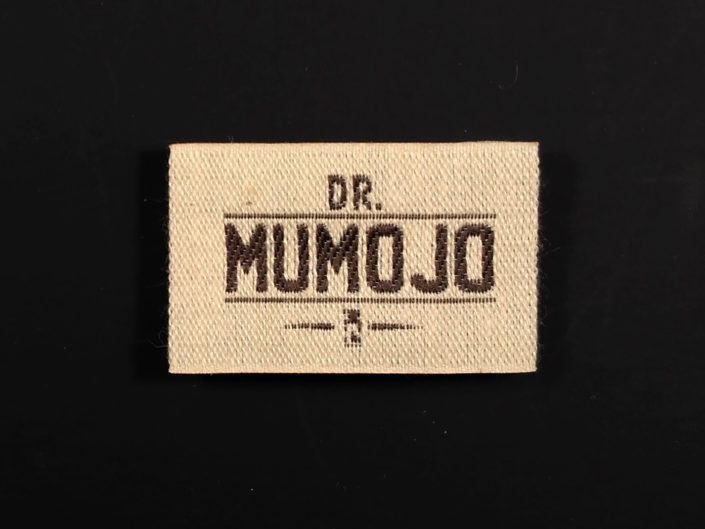 ETIQUETA TEJIDA DR. MUMOJO